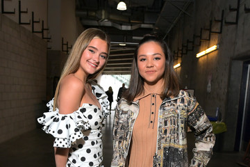 Lizzy Greene 2019 iHeartRadio Wango Tango Presented By The JUVÉDERM® Collection Of Dermal Fillers - Backstage