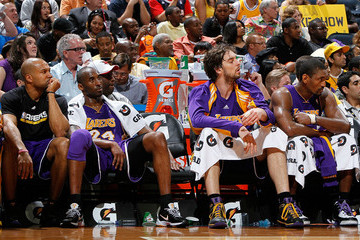 Kobe Bryant Derek Fisher Los Angeles Lakers v Atlanta Hawks