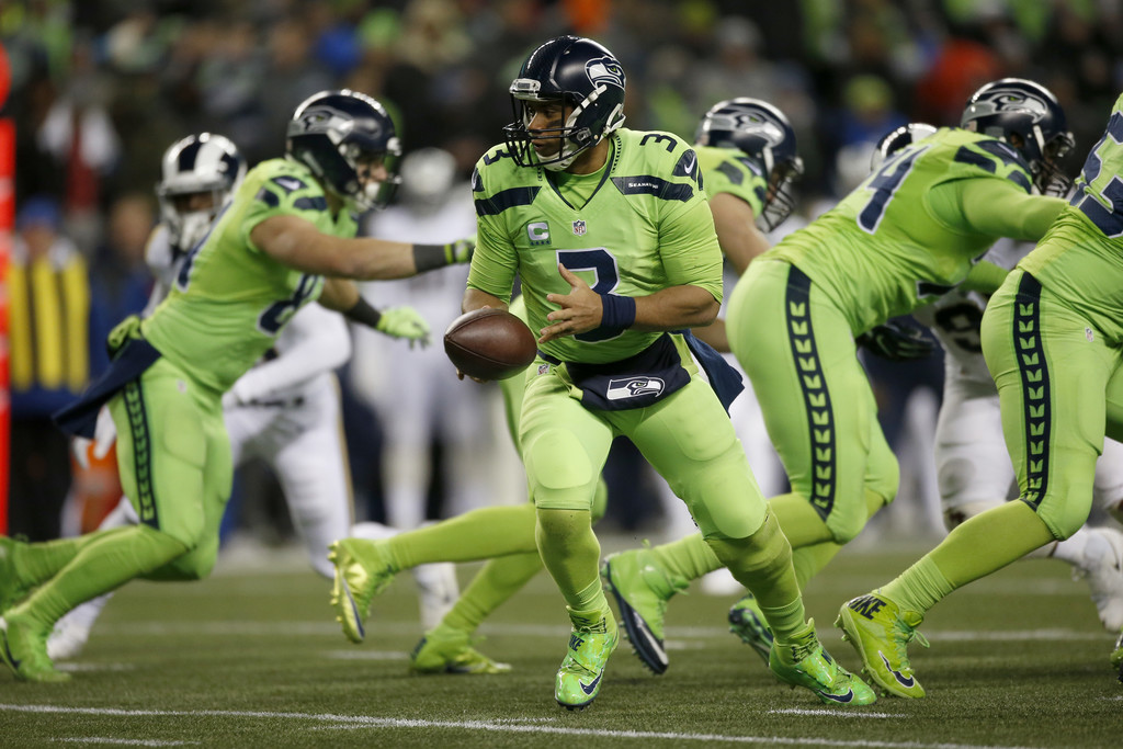 Russell Wilson Photos Photos - Los Angeles Rams v Seattle