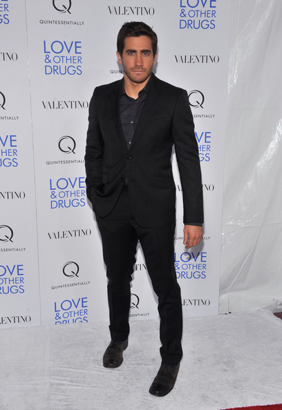 "Actor Jake Gyllenhaal attends a screening of ""Love & Other Drugs"" at DGA Theater on November 16, 2010 in New York City."