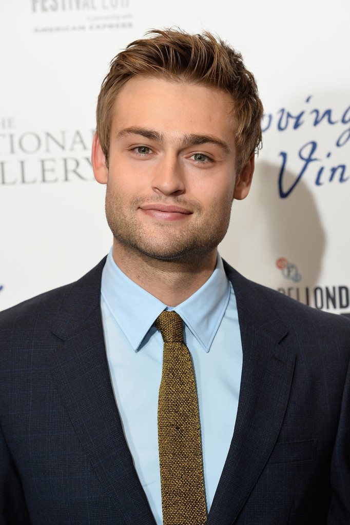 Douglas Booth Photos Photos - 'Loving Vincent' UK Premiere ...