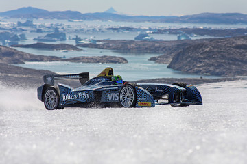 Lucas Di Grassi All-Electric Formula E Car Runs on the Greenland Ice Cap