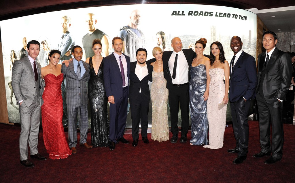 http://www1.pictures.zimbio.com/gi/Luke+Evans+Fast+Furious+6+Premieres+London+laKHigTEqDQx.jpg