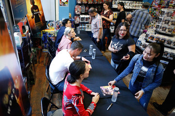 Luke Evans Professor Marston and the Wonder Women: Meet and Greet at New York's Forbidden Planet