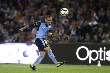 Luke Wilkshire A-League Rd 1 - Melbourne Victory v Sydney