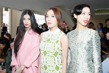Luodan Wang Front Row at the Tory Burch Show