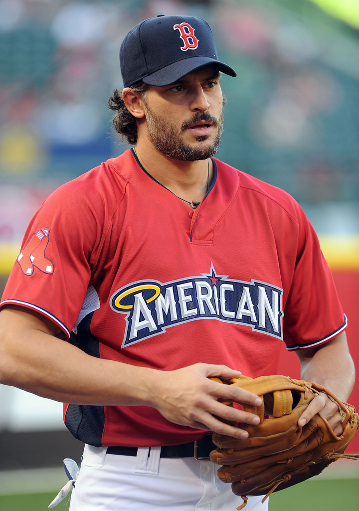 Stars suit up for Legends and Celebrity Softball game at ...
