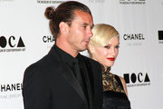 "Musician Gavin Rossdale (L) and singer Gwen Stefani arrive at ""The Artist's Museum Happening"" MOCA Los Angeles Gala held at MOCA Grand Avenue on November 13, 2010 in Los Angeles, California."