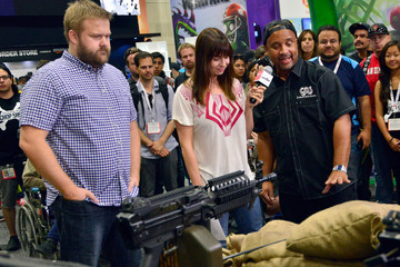 Mad Mike 'Walking Dead' Zombie Survival Machine Unveiled at Comic-Con