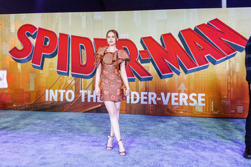 Madelaine Petsch World Premiere Of Sony Pictures Animation And Marvel's 'Spider-Man: Into The Spider-Verse' - Red Carpet