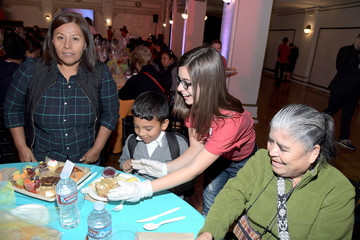 Madisyn Shipman Nickelodeon Presents The Salvation Army Feast of Sharing