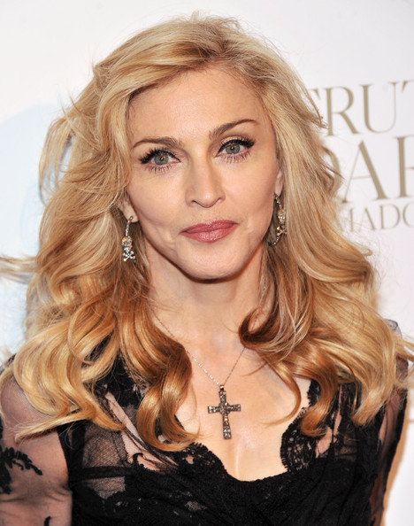 http://www1.pictures.zimbio.com/gi/Madonna+Madonna+Launches+Signature+Fragrance+UL2E9vs-Rnpl.jpg