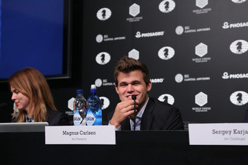 Magnus Carlsen 2016 World Chess Championship - November 11