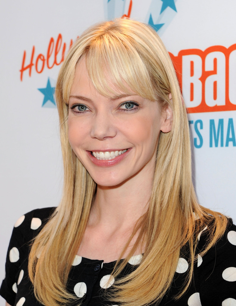 how tall is riki lindhome
