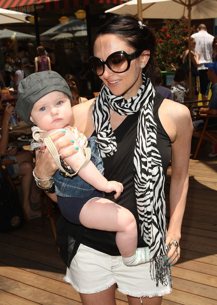 Designer Stacey Bendet of alice+olivia and daughter Eloise Breckenridge Eisner attend the EB Medical Research Foundation picnic presented by Sinupret for Kids and Yogen Fruz held at The Malibu Lumber Yard on June 28, 2009 in Malibu, California.