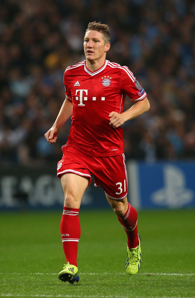 bastian schweinsteiger in manchester city v fc bayern. Black Bedroom Furniture Sets. Home Design Ideas