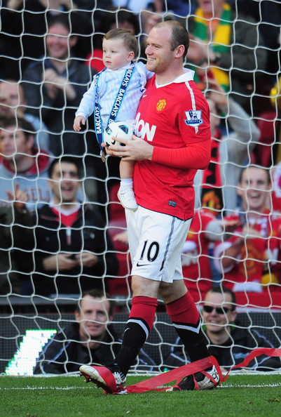 http://www1.pictures.zimbio.com/gi/Manchester+United+v+Blackpool+Premier+League+IDbXBl9b89Jl.jpg