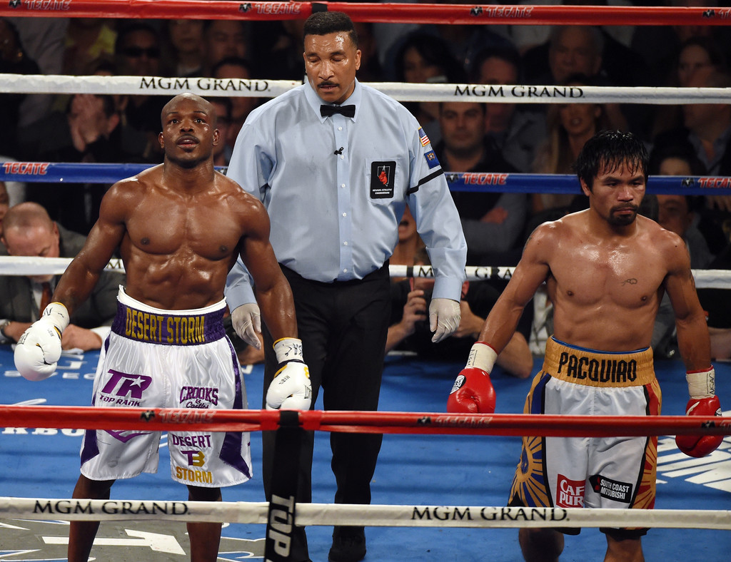 Manny Pacquiao gets TKO win vs. Lucas Matthysse