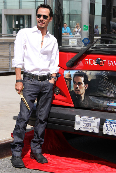 "Marc Anthony Honored By Gray Line New York's ""Ride Of Fame"" []"