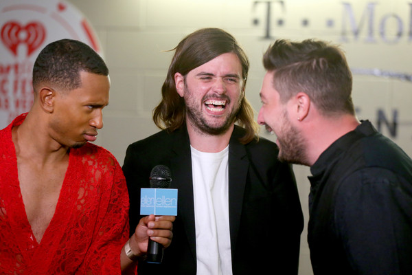 2019 iHeartRadio Music Festival - Night 2 – Backstage [red,event,technology,electronic device,conversation,marcus mumford,winston marshall,kalen allen,l-r,t-mobile arena,las vegas,nevada,mumford sons,iheartradio music festival]