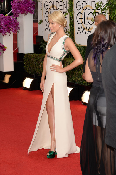 Margot Robbie - 71st Annual Golden Globe Awards - Arrivals