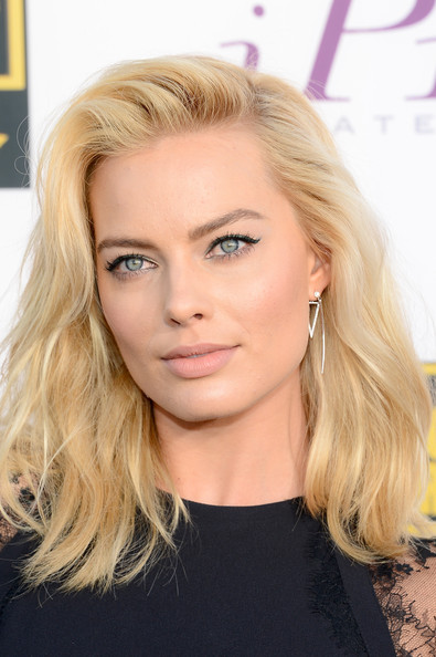 Margot Robbie - Arrivals at the Critics' Choice Awards — Part 2