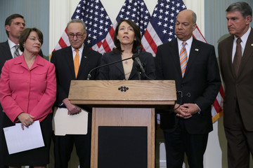 Maria Cantwell Jeh Johnson, US Senators Announce New Proposal to Strengthen Airport Security