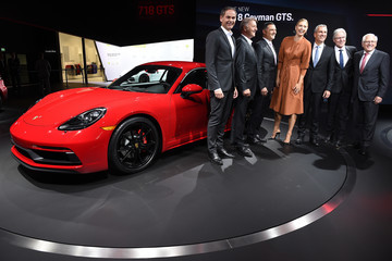 Maria Sharapova The Los Angeles Auto Show Plays Hosts to Automotive Manufacturers Debuting Latest Models