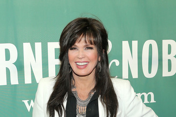 Marie Osmond Marie Osmond Signs Copies of 'Music Is Medicine'