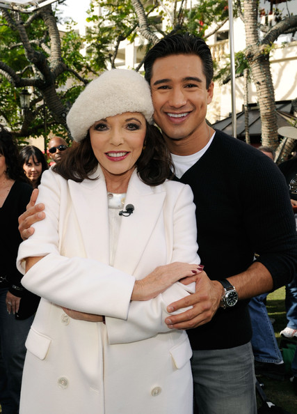 Joan Collins and Mario Lopez - Cindy Crawford Visits 'Extra' Set