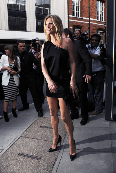 Kate Moss attends Mario Testino's exhibition 'Kate Who?' at Phillips De Pury on July 5, 2010 in London, England.
