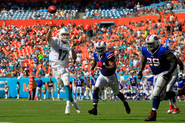 http://www1.pictures.zimbio.com/gi/Mario+Williams+Buffalo+Bills+v+Miami+Dolphins+oflp_H2iYJKl.jpg