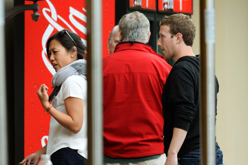 Mark Zuckerberg Priscilla Chan Business Leaders Meet in Sun Valley for Conference