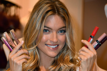 Martha Hunt Victoria's Secret Angel Martha Hunt Introduces New Body By Victoria Collection