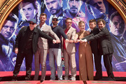 Scarlett Johansson and Chris Hemsworth Photos Photo