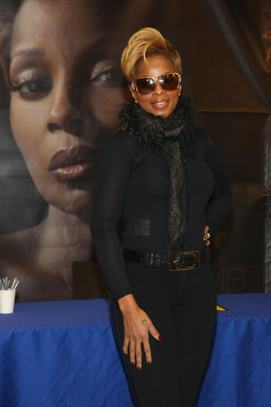 mary j blige album. Mary J. Blige Signs Copies