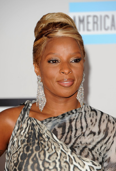 http://www1.pictures.zimbio.com/gi/Mary+J+Blige+2011+American+Music+Awards+Arrivals+NWtevCO2Tv7l.jpg