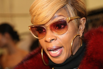Mary J. Blige Dennis Basso - Backstage - Mercedes-Benz Fashion Week Fall 2015