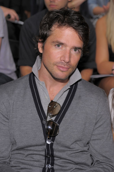 matthew settle kelly rutherford couple