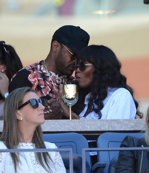 Maxwell singer maxwell l and naomi campbell attend the moet
