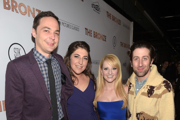 Mayim Bialik Melissa Rauch Premiere of Sony Pictures Classics' 'The Bronze' - Red Carpet
