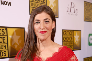 Mayim Bialik Arrivals at the Critics' Choice Television Awards — Part 2
