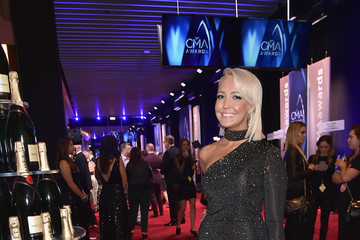 Meghan Linsey Moet & Chandon at the 51st Annual CMA Awards - Red Carpet