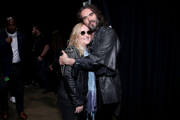 Melissa Etheridge Russell Brand MusiCares Person Of The Year Honoring Aerosmith - Inside