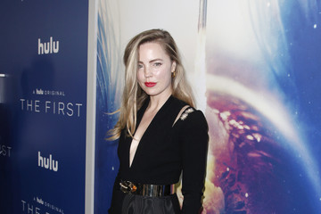 Melissa George Premiere Of Hulu's 'The First' - Red Carpet