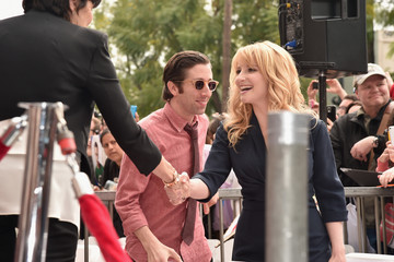 Melissa Rauch Jim Parsons Honored on the Walk of Fame