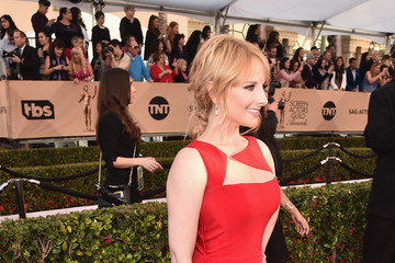 Melissa Rauch 22nd Annual Screen Actors Guild Awards - Red Carpet