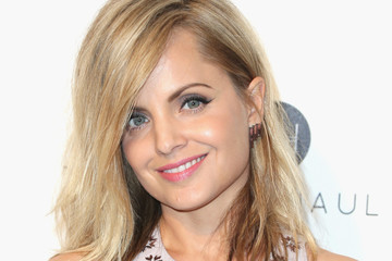 Mena Suvari Celebrities Attend an Oscar Viewing Party