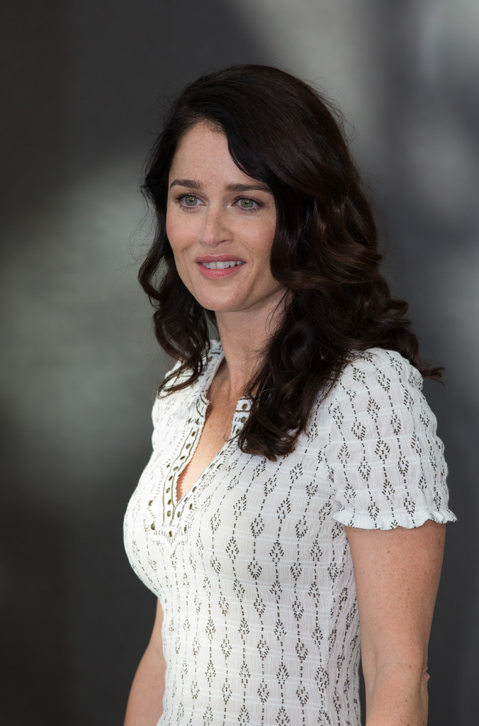 Robin Tunney Photos Photos - CBS Celebrates 100 Episodes ... |Robin Tunney The Mentalist