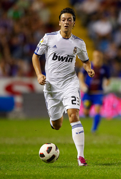 Madrid La Liga In This Photo Mesut Ozil Mesut Ozil Of Real Madrid Runs